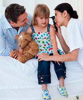 Как и чем правильно чистить уши ребёнку