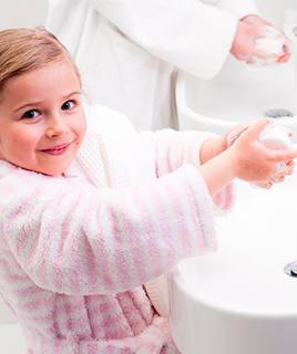 Как быстро приучить ребенка мыть руки перед едой