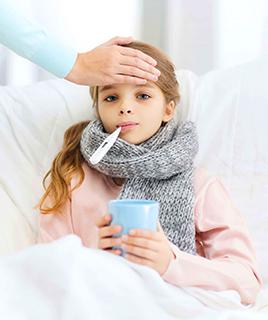 Чем помочь ребенку при температуре?