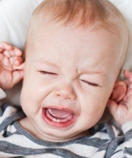 Почему младенец плачет?