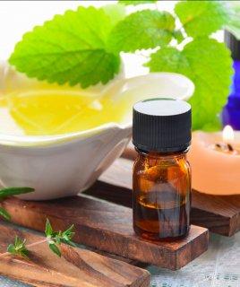 Как лечить прыщи маслом чайного дерева